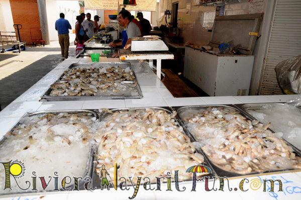 La cruz marina fish market la cruz de huanacaxtle marina for La fish market