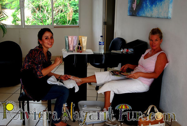 Bucerias mexico alma is happy to give you a pedicure or for A total new you salon